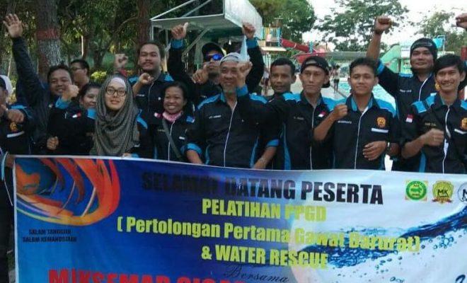 Pelatihan PPGD Water Rescue MIK SEMAR SIGAP